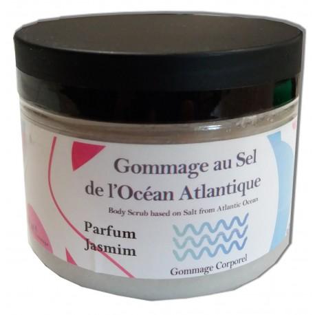 Sel de gommage de l'atlantique en pot pour soin cosmétique